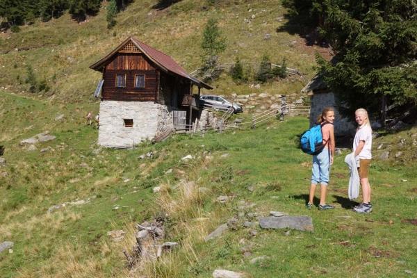 Tröbacheralm Hütte mit Kindern
